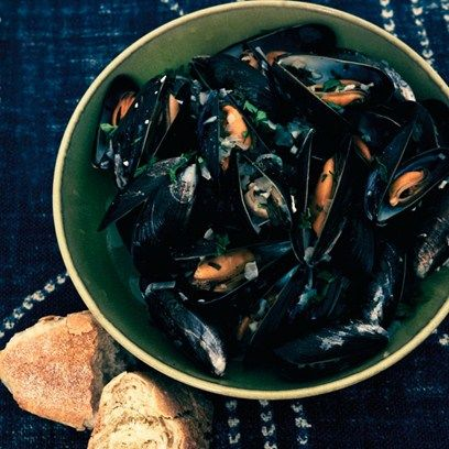 Mussels with white wine and parsley. A healthy and low fat supper. Easy recipe ideas from House & Garden.