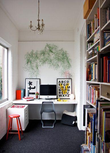 Make Home Offices More Homey with Art (Decor bàn máy tính)