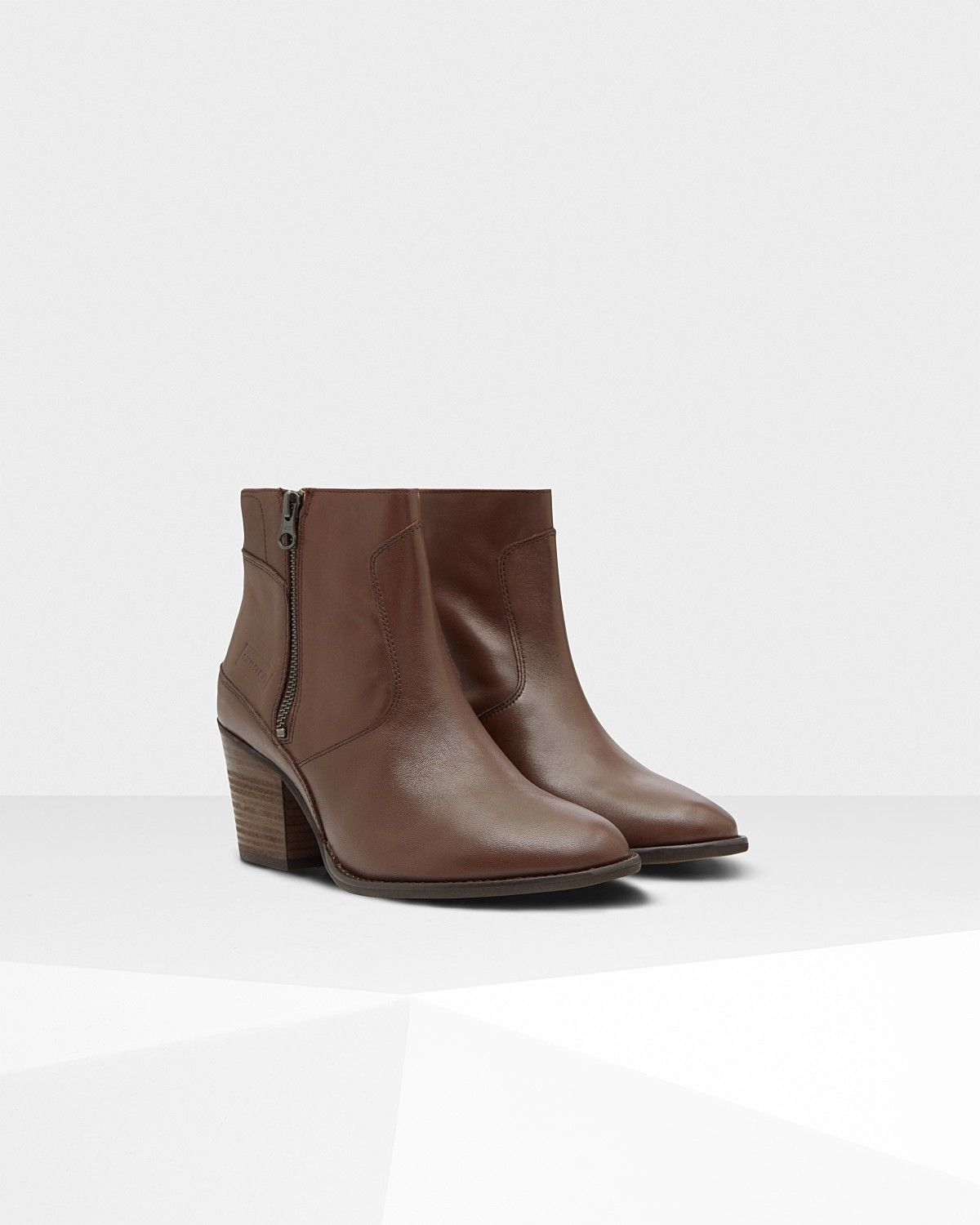 768d50e0f32af Hunter Women's Original Refined Leather Ankle Boots: Bitter Choc - Us 10.5