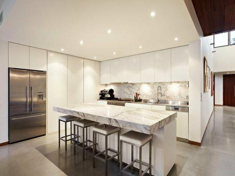 isla y pared de salpicadero de mármol Interiores para cocina