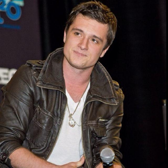 my man Peeta | Josh hutcherson, Hunger games, Josh