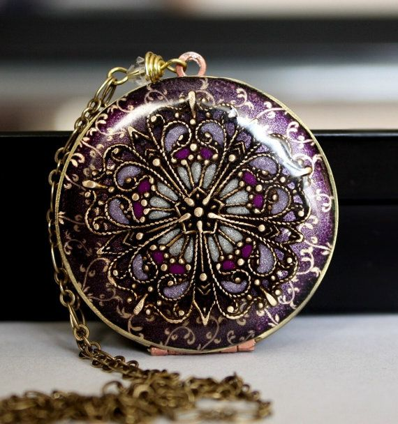 Locket || Lavender Locket Resin Locket Filigree by MStevensonDesigns, 88.50
