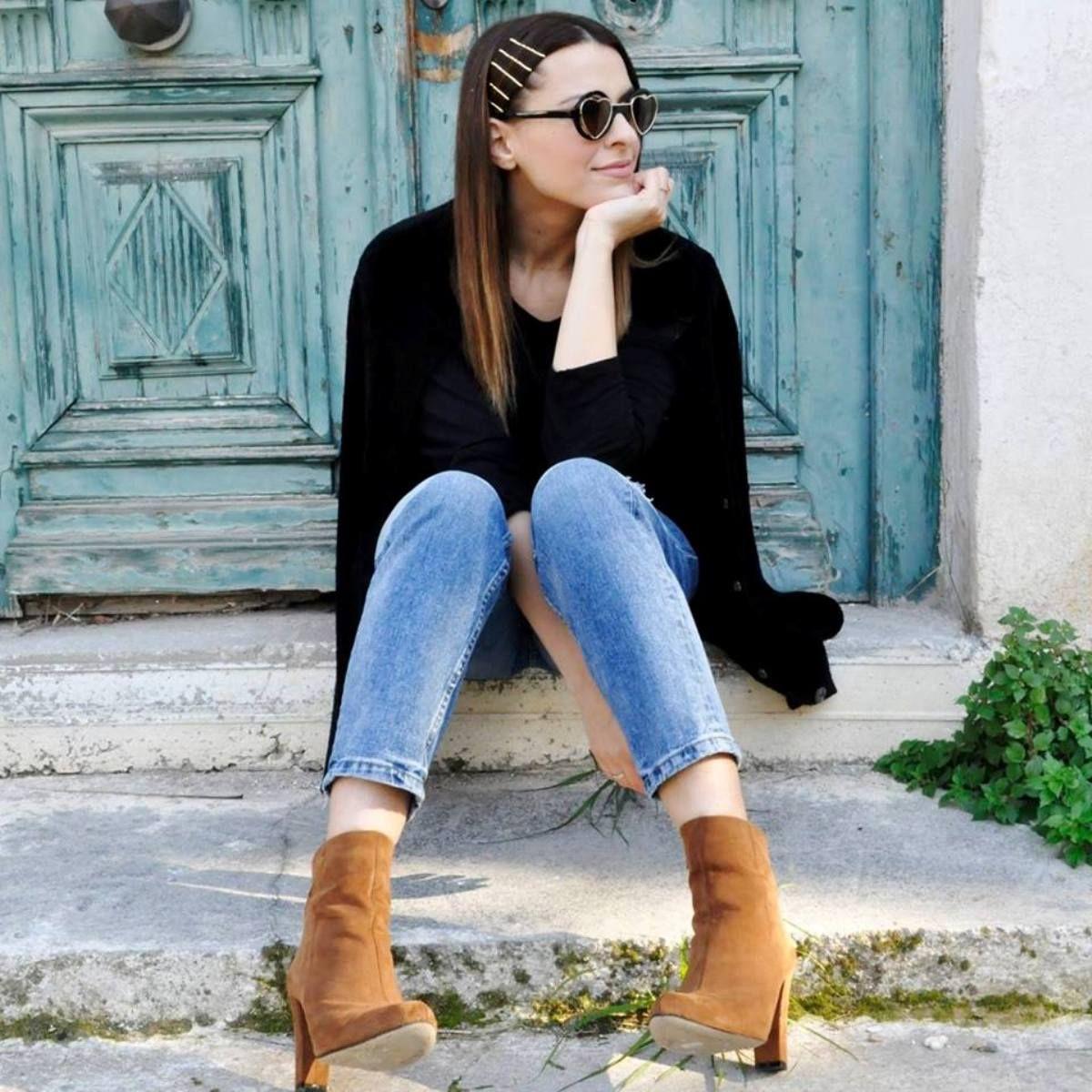 Black & brown (via: @tonias_fashion_tour) #SanteGirls #SanteBooties Shop #SALE in stores & online: www.santeshoes.com