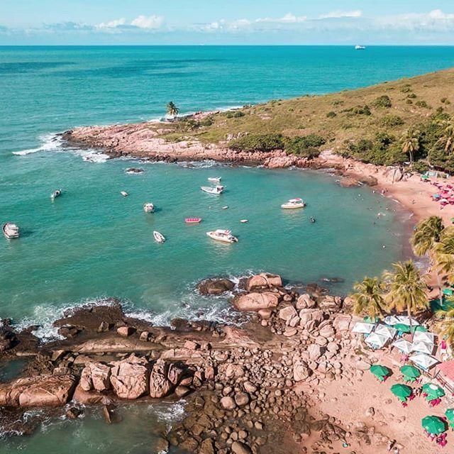 É cada lugar nesse Brasil zao . . . #portodegalinhas #praiacalhetas #pernambuco #praia...  É cada lugar nesse Brasil zao . . . #portodegalinhas #praiacalhetas #pernambuco #praia #recife #beach #brazil #brasil #travel #mar #ferias #nordeste #love #trip #sun #photography #sol #familia #amor #instagood #ipojuca #viagem #summer #piscinasnaturais #photooftheday #picoftheday #portodegalinhasbeach #happy #praiasdepernambuco #drones