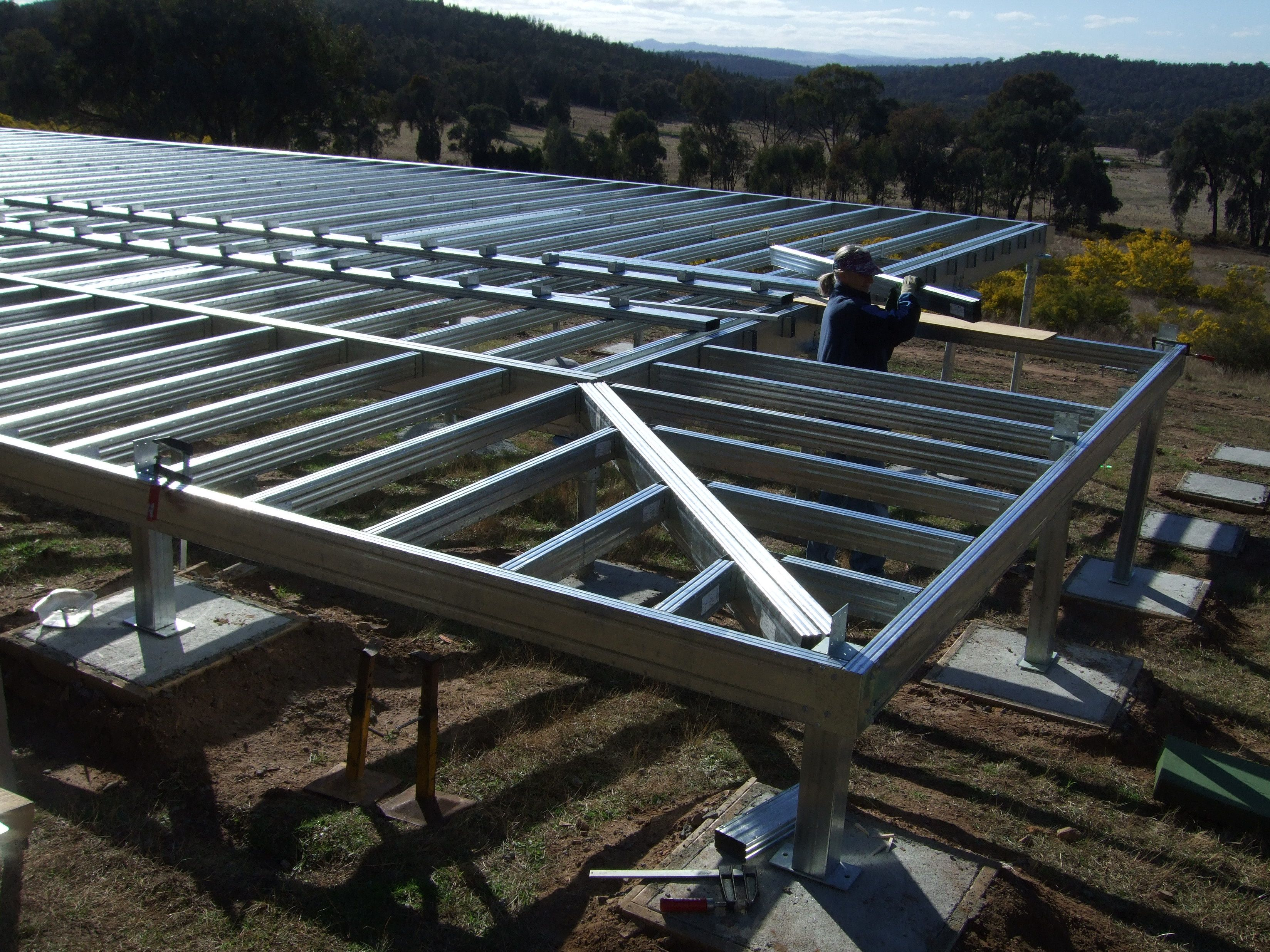 installing the wrap around deck verandah section of the steel frame kit