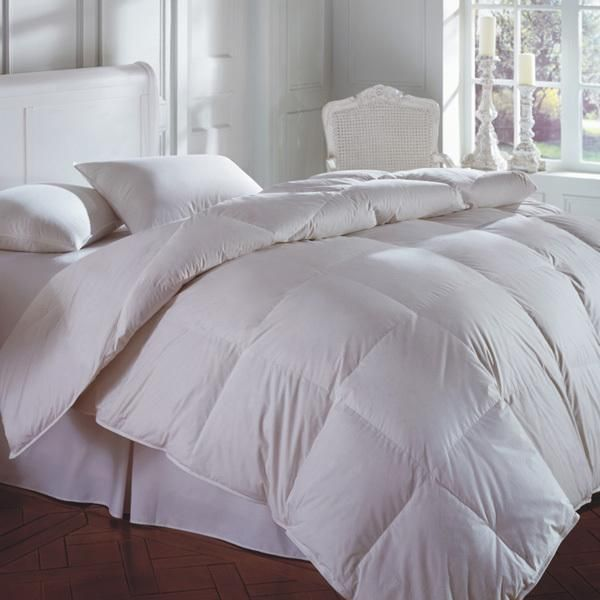Cascada Peak 600+ White Down Comforter by Downright #downcomforter