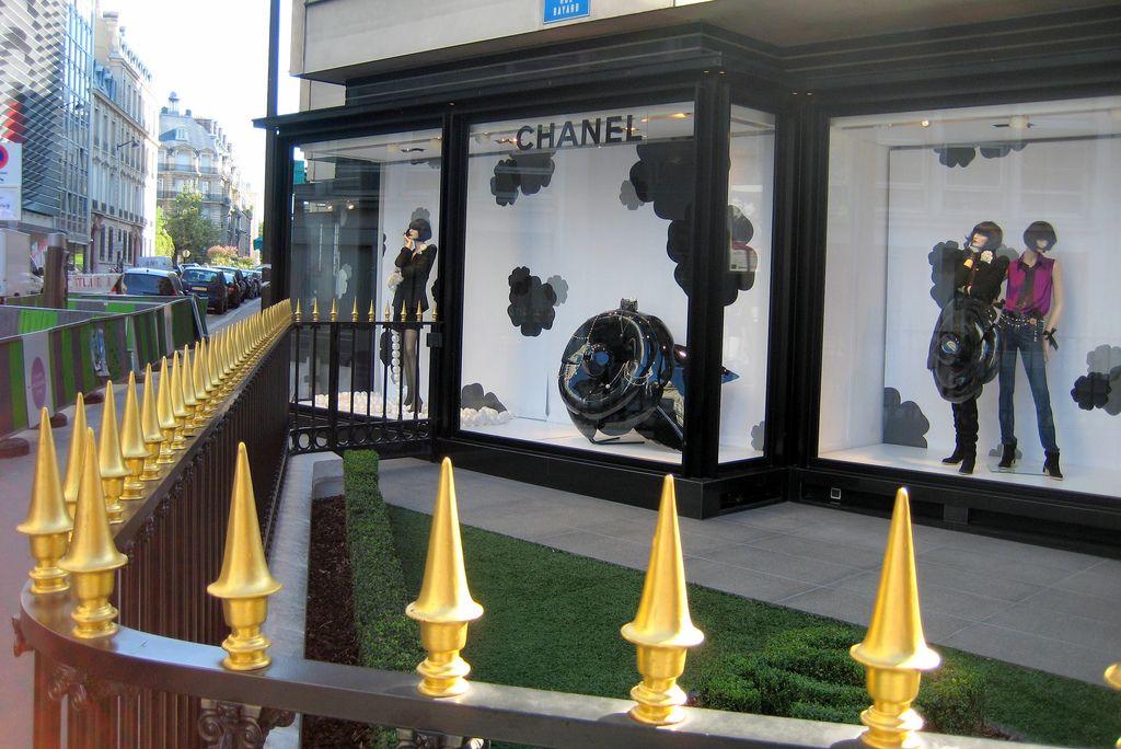 Avenue Montaigne Chanel