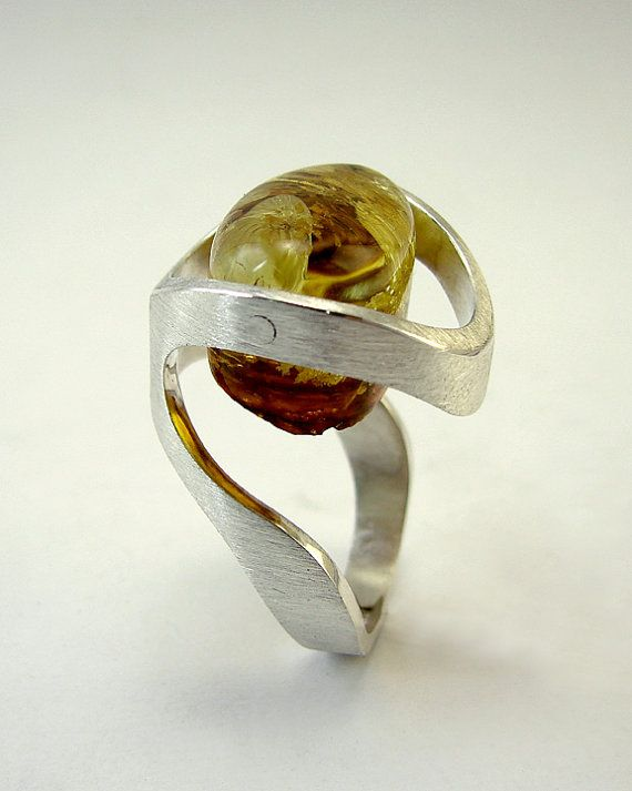 Handmade silver and amber ring by GustavoParadiso on Etsy, €250.00