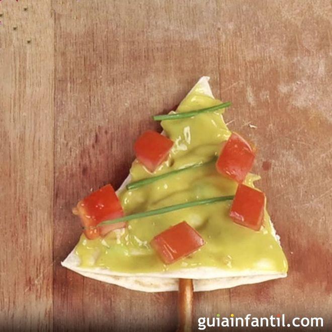 árbol De Navidad De Guacamole Canapés Para Niños Guacamole Cocina Para Niños Comida De Navidad