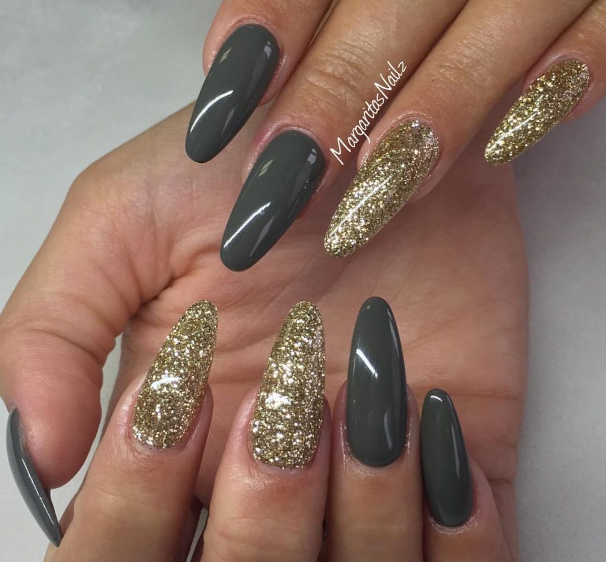 Deep gray & Gold glitter | Square & Coffin Nails | Pinterest | Gold ...