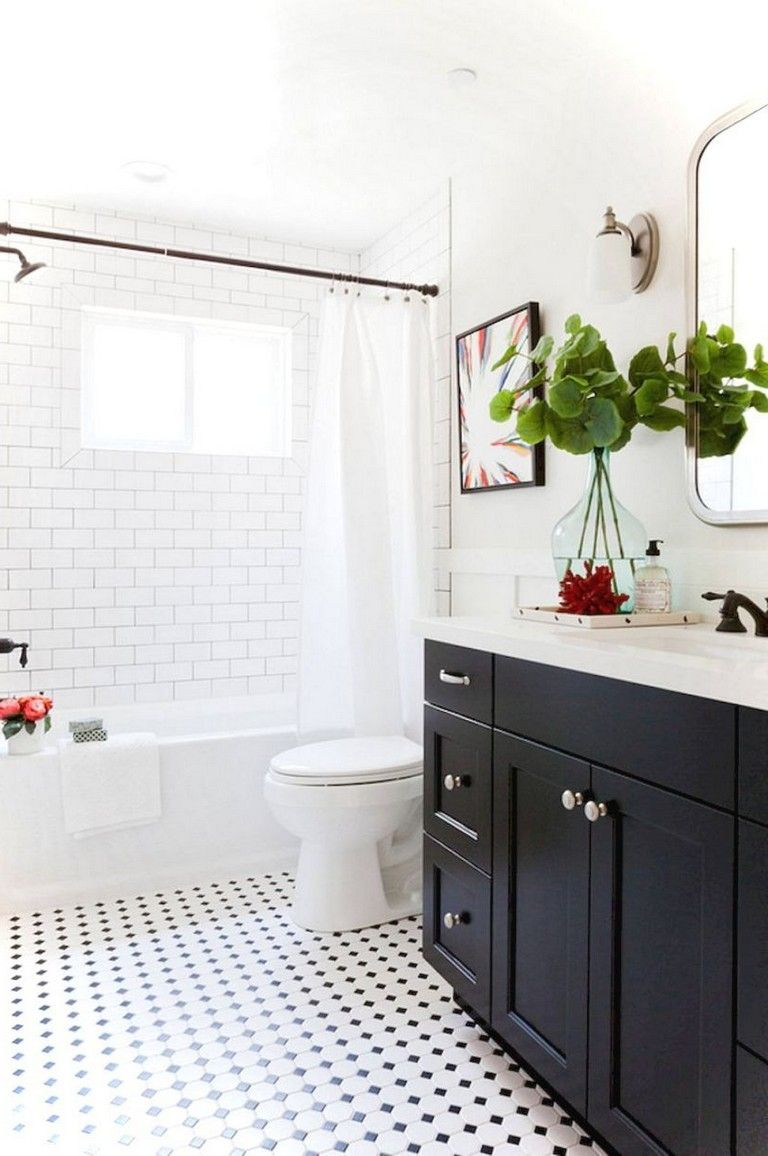 39+ Elegant Black White Bathroom Design Ideas #blackwhitebathrooms