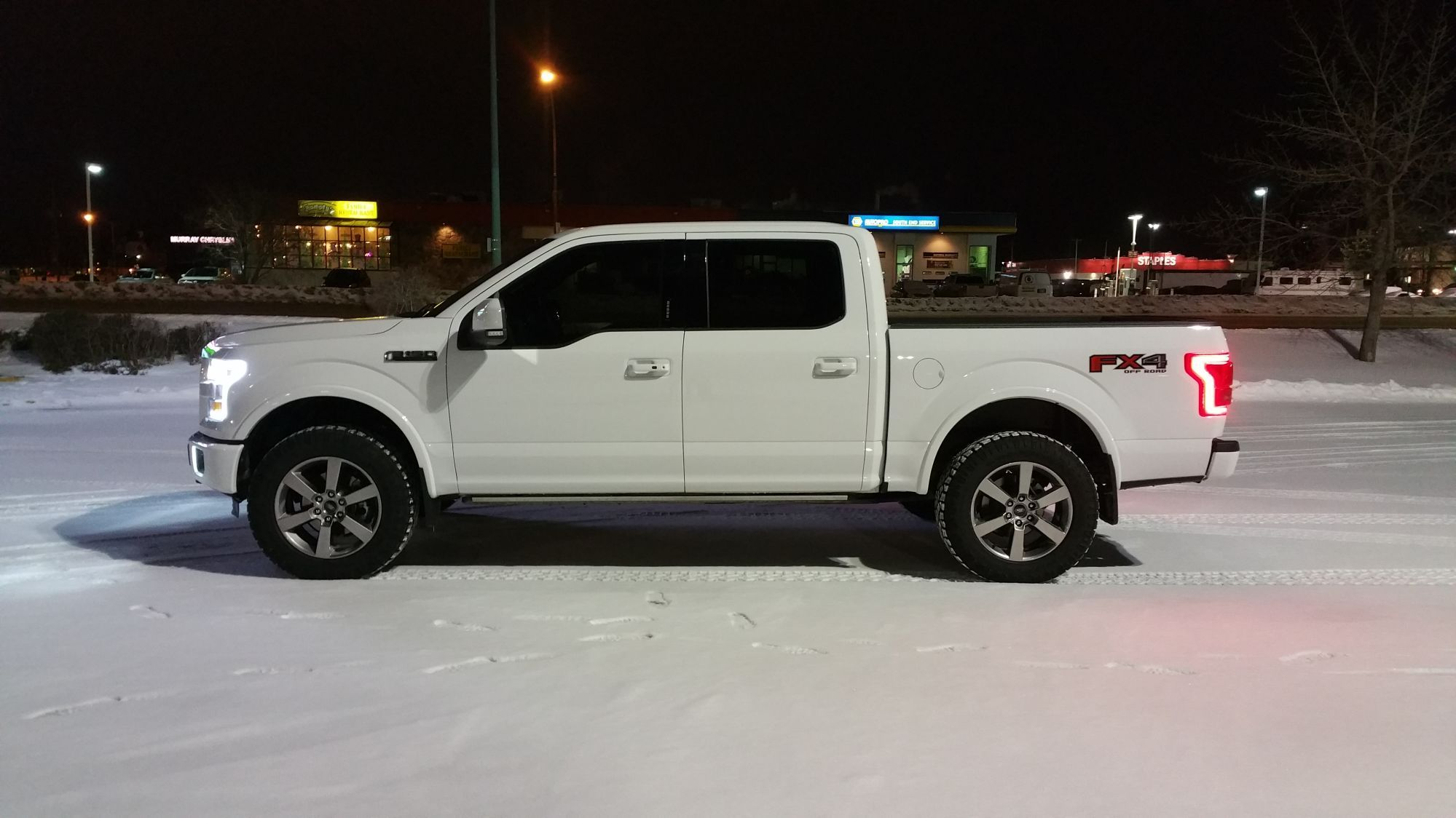 Show Me Your Leveled Trucks With Oem Rims Ford F150 Forum