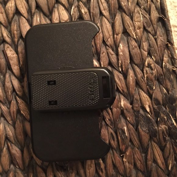 Otterbox defender belt clip. iPhone 4 Belt clip for iPhone 4 defender series case. OtterBox Accessories Phone Cases