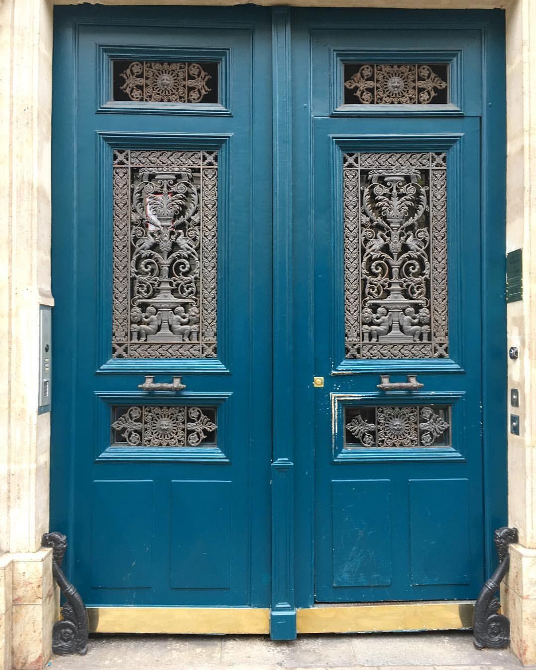 "29 Likes, 1 Comments - Richard Nahem (@parisian_doors) on Instagram: ""Rue Tronchet near Madeleine #madeleine #placemadeleine #ruetronchet #door #doorsofinstagram #doors"""