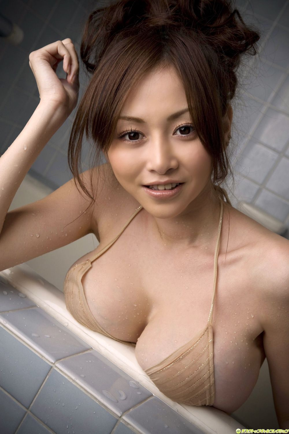 Sexy asian girl in shower, nude thai girls in bathtub