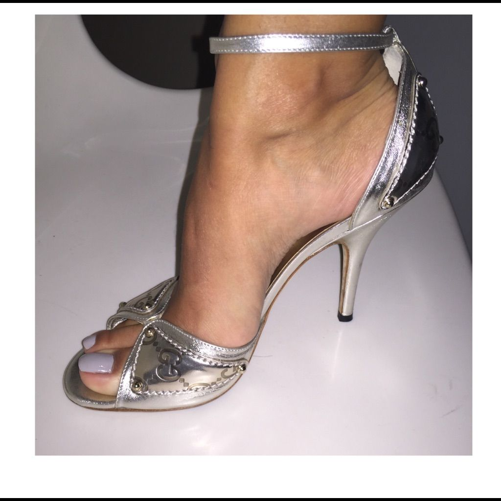 8d607b7a5d4 Gucci Sand Pelle S Cuoio Athena Platino Gucci Shoes