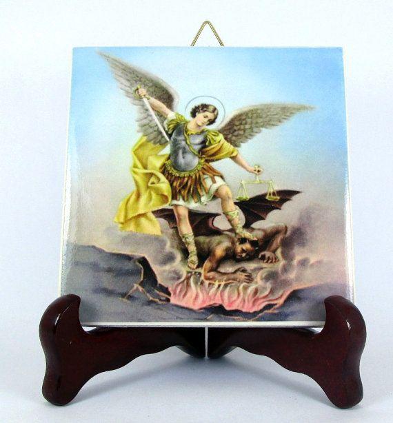 Guarda questo articolo nel mio negozio Etsy https://www.etsy.com/it/listing/218034861/saint-michael-the-archangel-ceramic