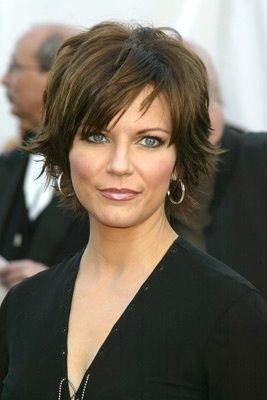 Short Hairstyles For Women Over 50 thick Hair   Side view of Lisa ...