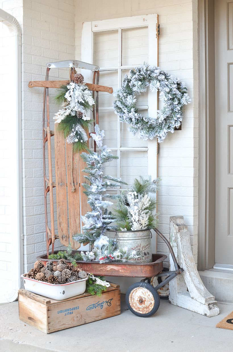 55 Diy Glass Ornament Projects To Try Asap Godiygo Com Front Porch Christmas Decor Rustic Winter Decor Christmas Porch Decor