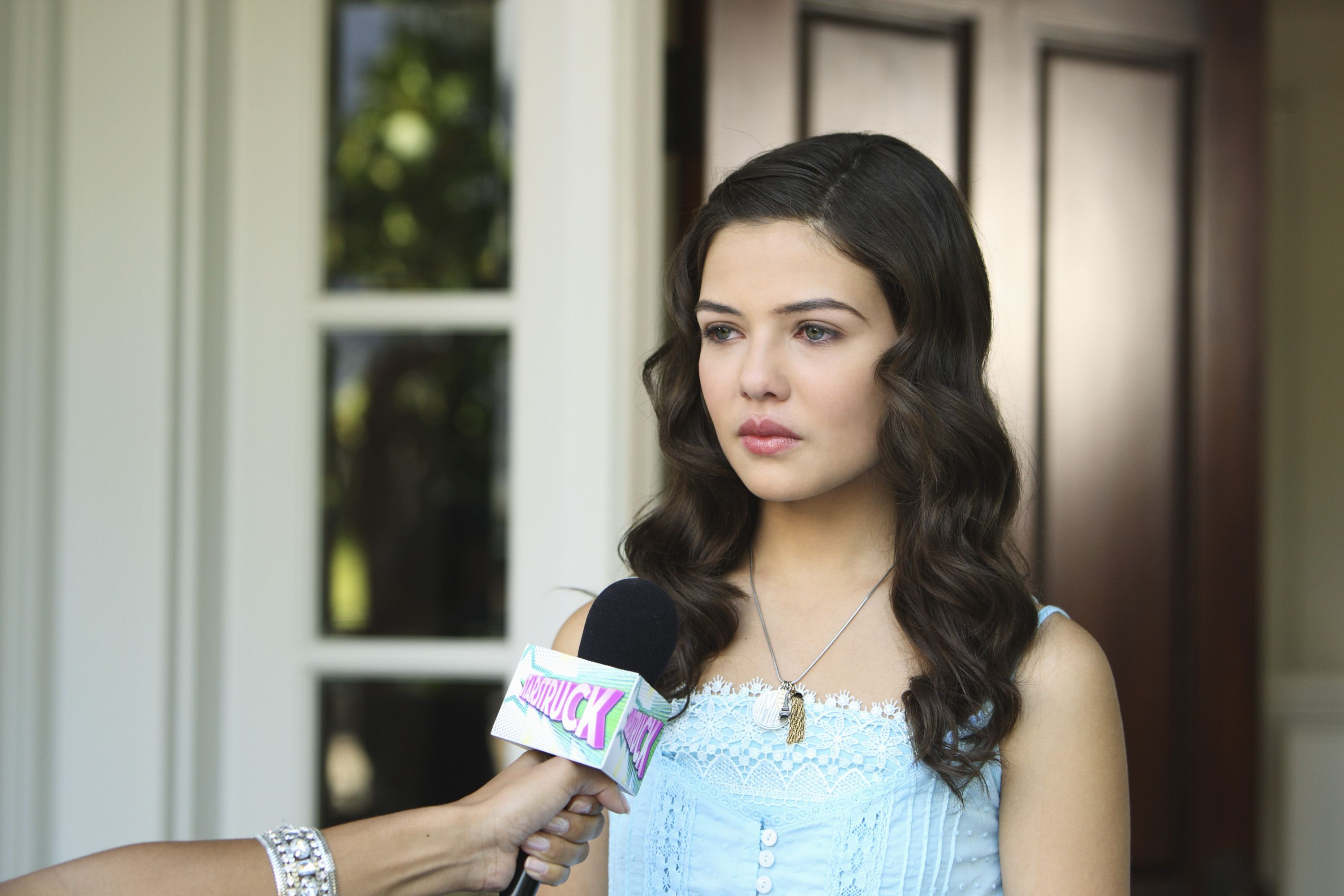 Danielle Campbell as Jessica Olson | Starstruck ...