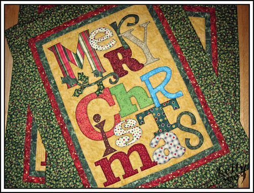 Christmas wallhanging. The Art to Heart books are great. | A Quilt ... : christmas quilt wall hanging - Adamdwight.com