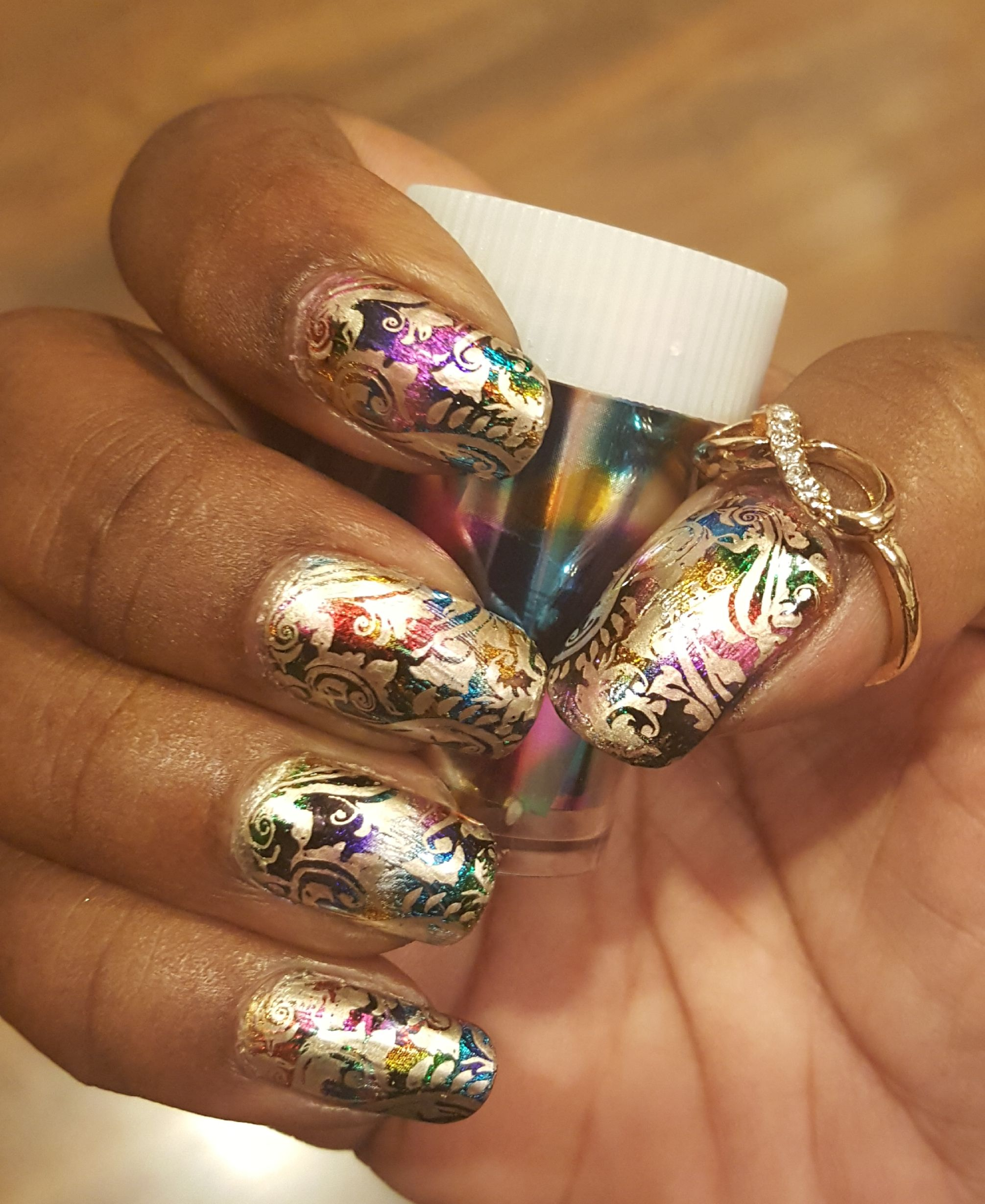 Nail Art Video Download Mp4: Foil Nail Art Is Easy And Beautiful.