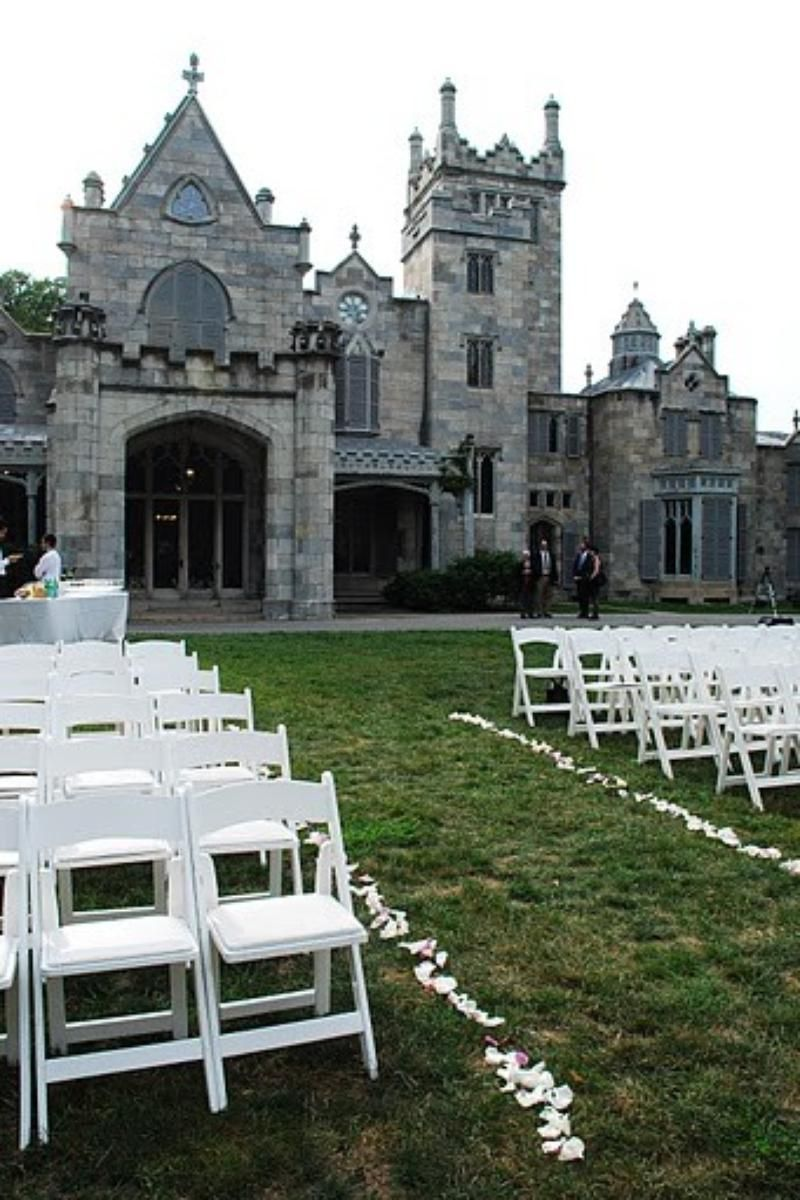 Weddings At Lyndhurst Castle In Tarrytown Ny Wedding Spot Lyndhurst Castle Castle Wedding Venue Castle Wedding