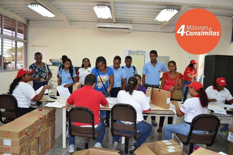 @FEdumedia : RT @PSUV4F: El Proyecto Canaima Educativo garantiza el futuro de la Patria Grande. Ya entregamos más de 4 millones https://t.co/8VbO9QZAsT
