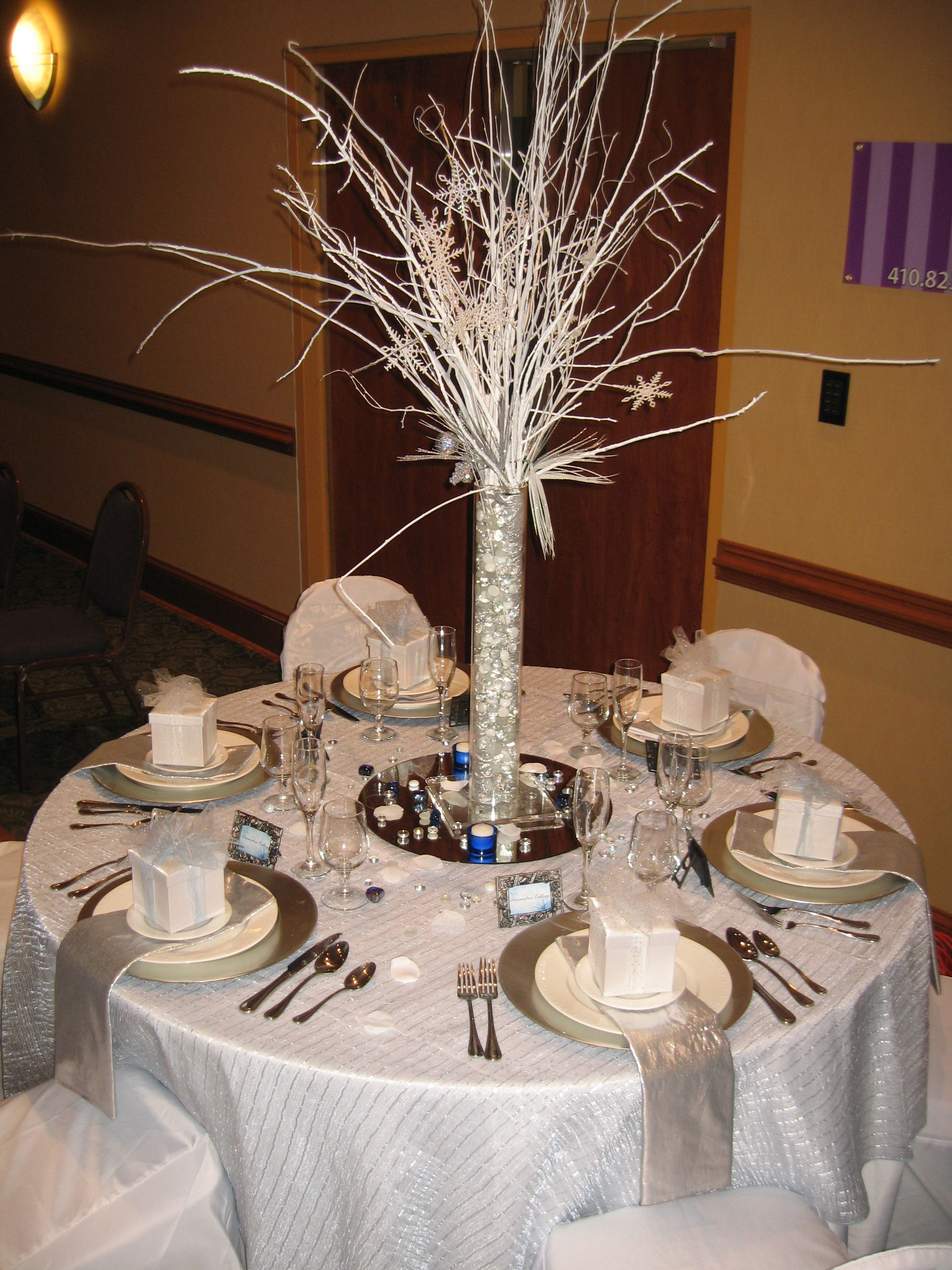 Winter wonderland table decor centerpieces table decor for Winter themed wedding centerpieces