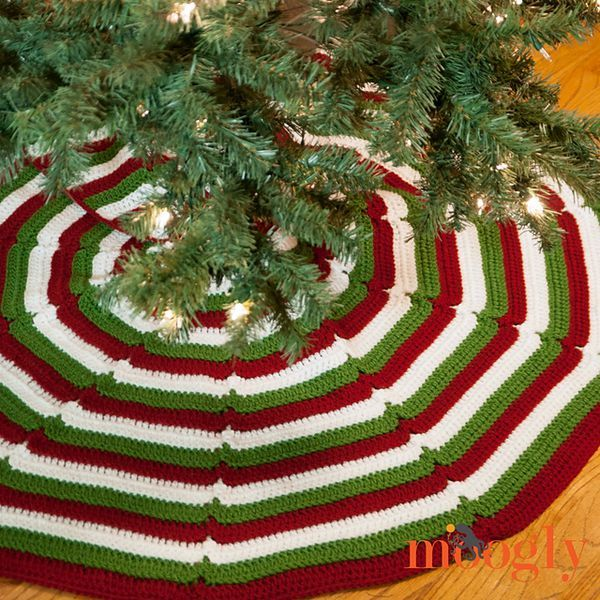 Dress Up Your Christmas With These Crochet Tree Skirts | Para ...
