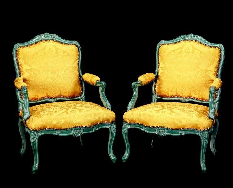 quatre_larges_fauteuils_1333446205470227