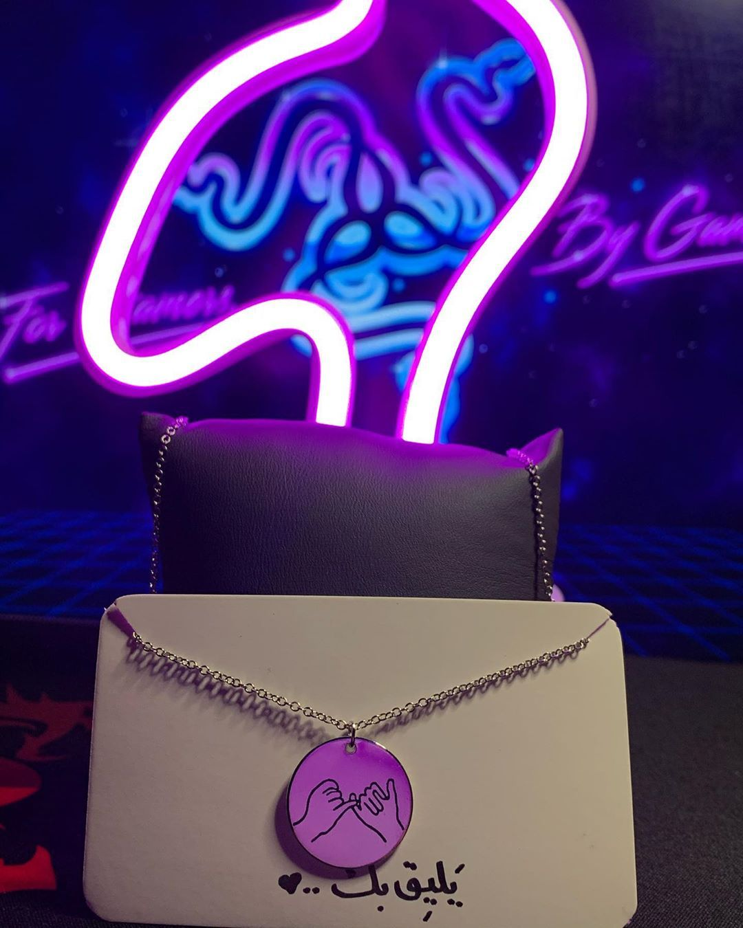 سلسال وعد السعر 25 نسائي فضي و ذهبي Great Beatifull Gifts Gift Style Makeup Dance Butterfly Makeuptuto In 2020 Crown Jewelry Jewelry Pins