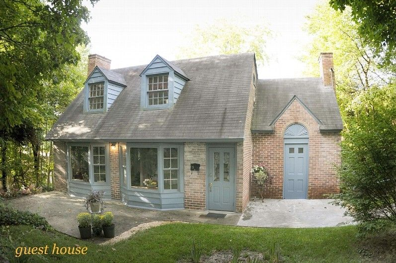 Charming Carriage House in Quiet Historic District