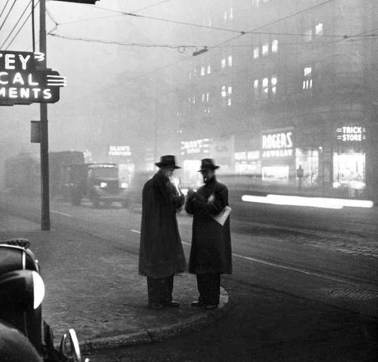 Noon in Downtown Pittsburgh, 1940 PHOTO FROM THE