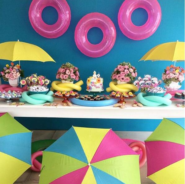 101 fiestas fiesta tem tica de pool party decoraci n de for Ideas para cumpleanos en piscina
