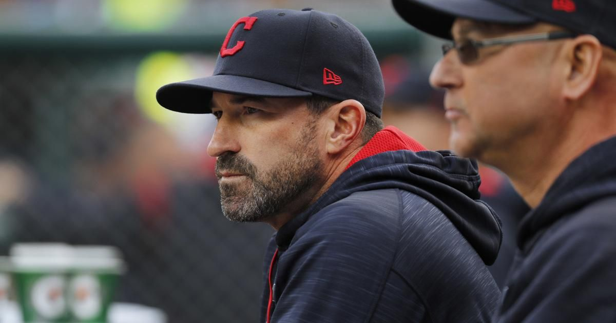 Mets hire Indians pitching coach Mickey Callaway to be