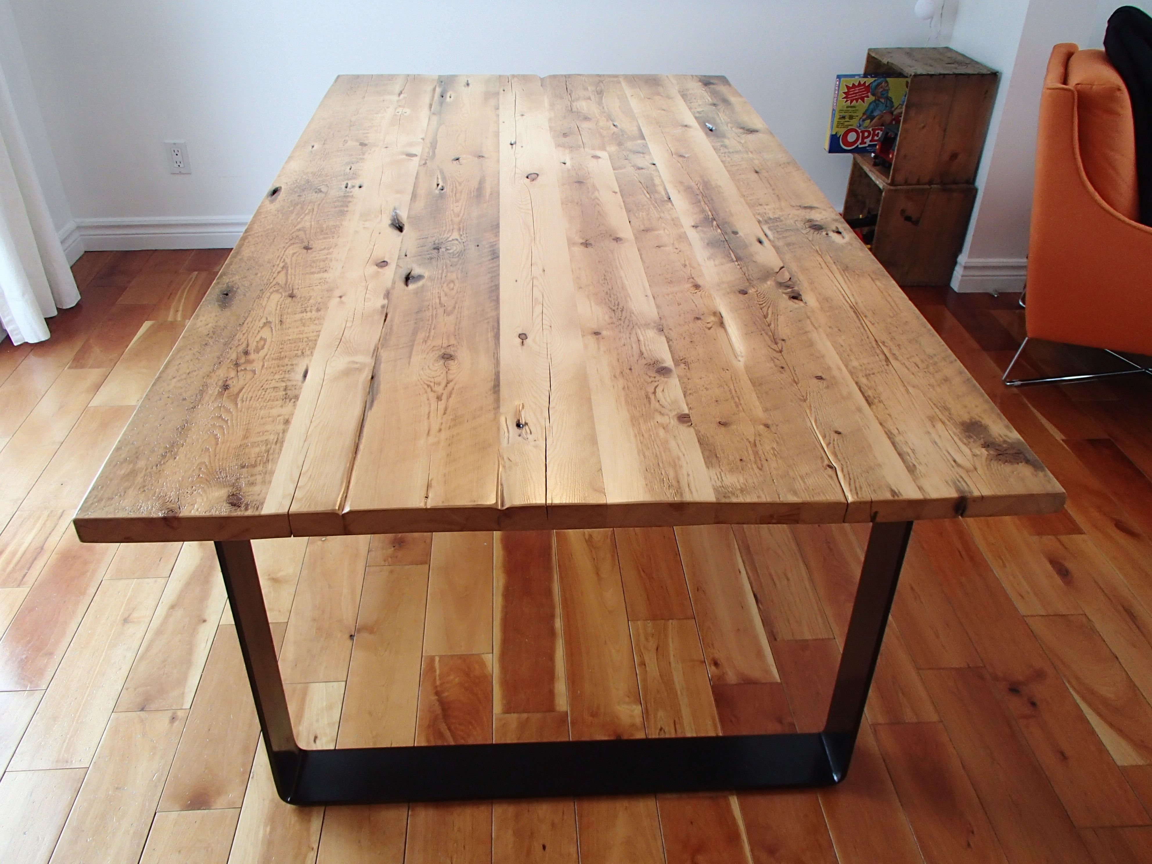 Collection industriel table bois de grange et acier recycl cuisine pinterest table for Table en bois de cuisine