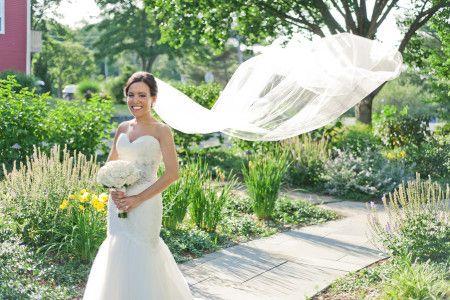 Such a gorgeous bridal portrait! | http://www.weddingreports.com/glam-nautical-wedding-saybrook-point-inn-spa/