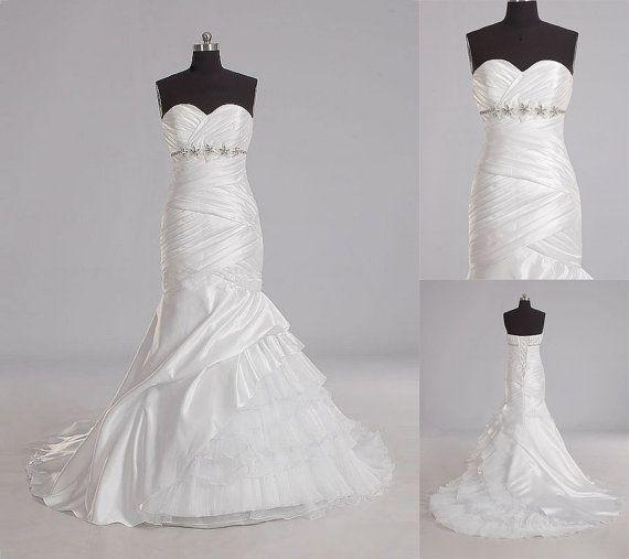 Tailor-made \'Emelia\' Wedding Dress £319.99 Showcasing our beautiful ...