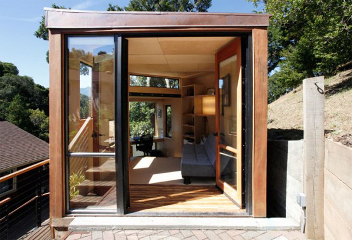 Small modern home design small sustainable homes for Contemporary tiny house