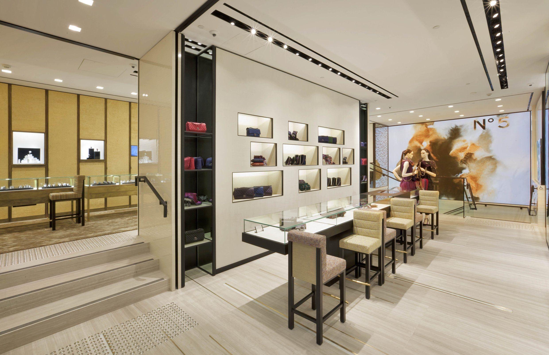 Chanel boutique chanel reopens its sydney boutique for Boutique room design