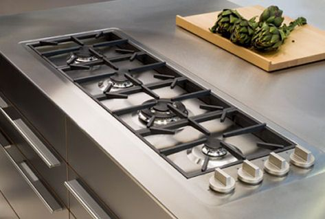 Bulthaup Continues To Innovate The Luxury Kitchen Industry By Developing Their Own Professional Gas Hob Kitchen Design Kitchen Inspirations Kitchen Island Hob