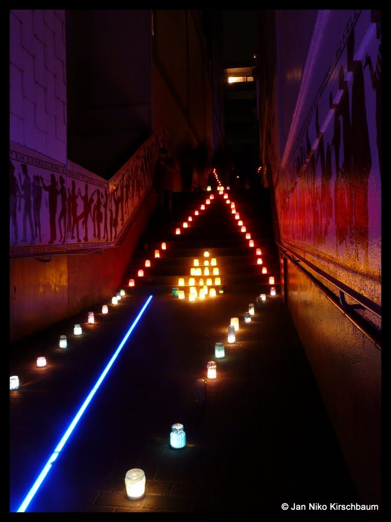 Pin Von Nina Bee Auf Lights Will Guide You Home Wuppertal Lichterfest Schone Orte