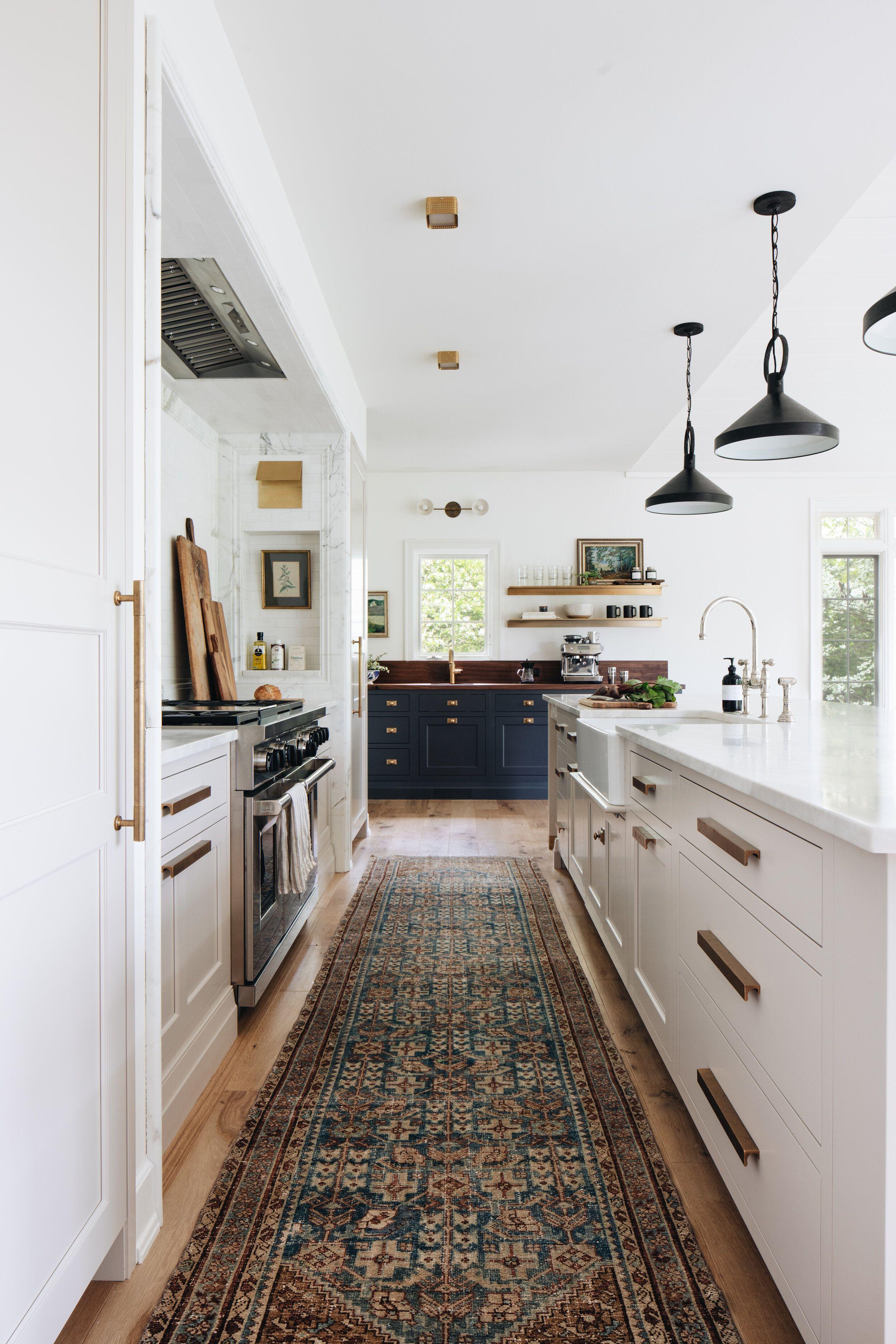White Kitchen Cabinetry Modern Kitchen Traditional Rug Runner Gold Hardware Navy Cabinetry Jean In 2020 Kitchen Inspirations Gorgeous Kitchens Kitchen Decor