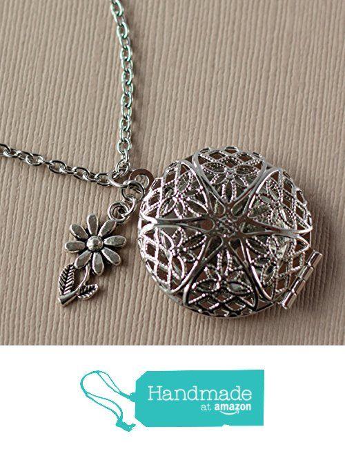 Flower Charm Diffuser Necklace - Essential Oil Locket - Aromatherapy Jewelry - Daisy Necklace from Simply Moments http://www.amazon.com/dp/B01EZEMPDG/ref=hnd_sw_r_pi_dp_Oritxb1WA31XY #handmadeatamazon