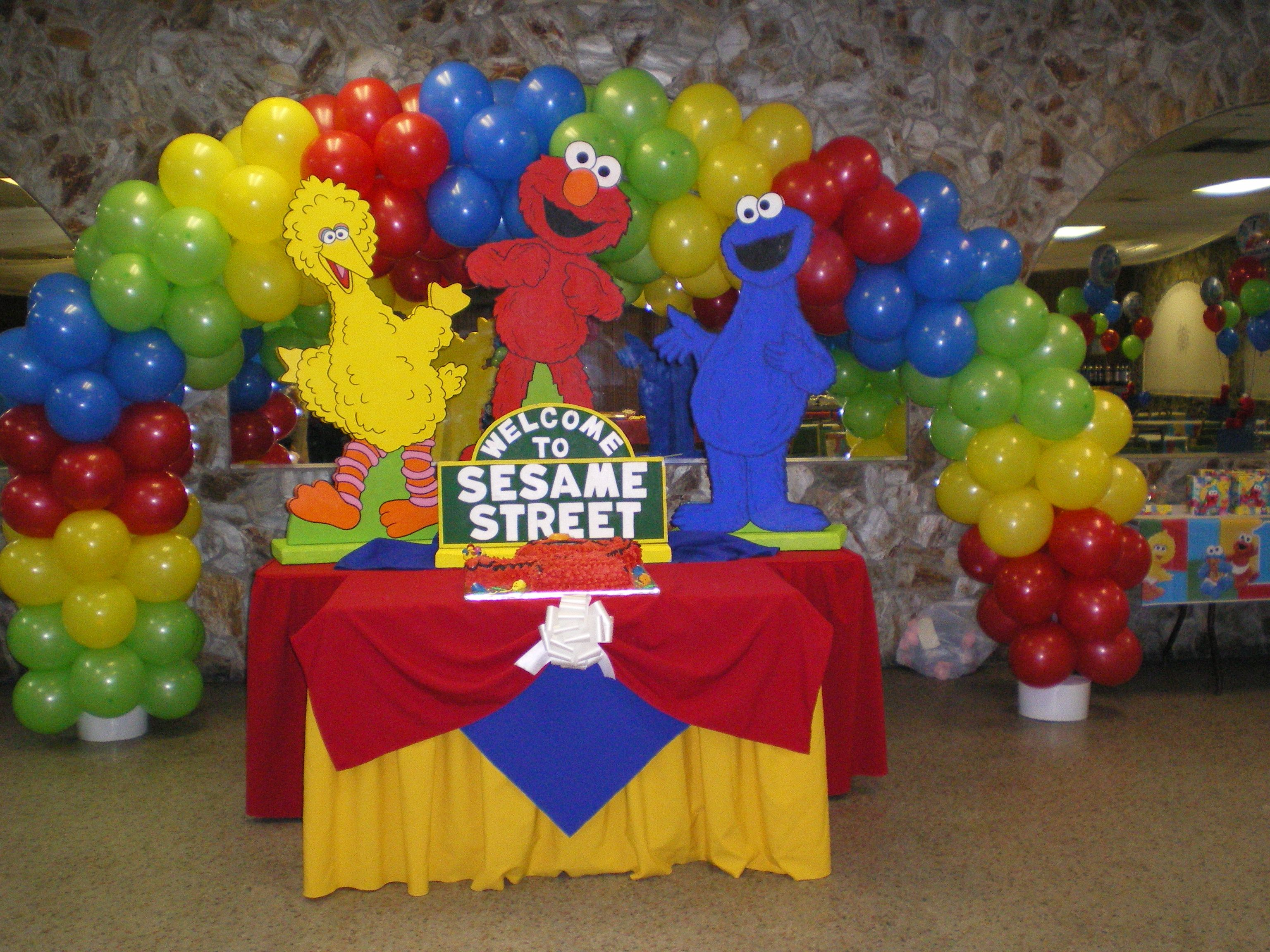 Elmo 1st birthday party ideas birthday party sesamestreet - Gallery Decorations Click Pictures Find This Pin And More On Party Centerpieces By Bakermom7777 Balloon Arch For A Sesame Street Birthday Party