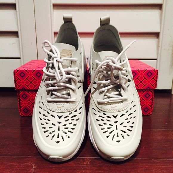 0 WOMENS SIZE 6.5 NIKE AIRMAX SHOES SNEAKERS