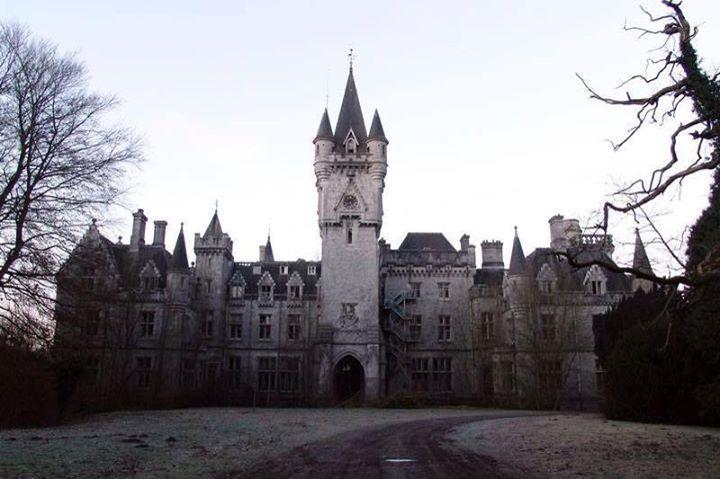 Castello abbandonato in Belgio.