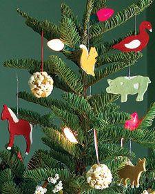 Popcorn Balls With Golden Raisins Recipe Recipe Christmas Tree Decorations Diy Diy Christmas Tree Christmas Tree Decorations