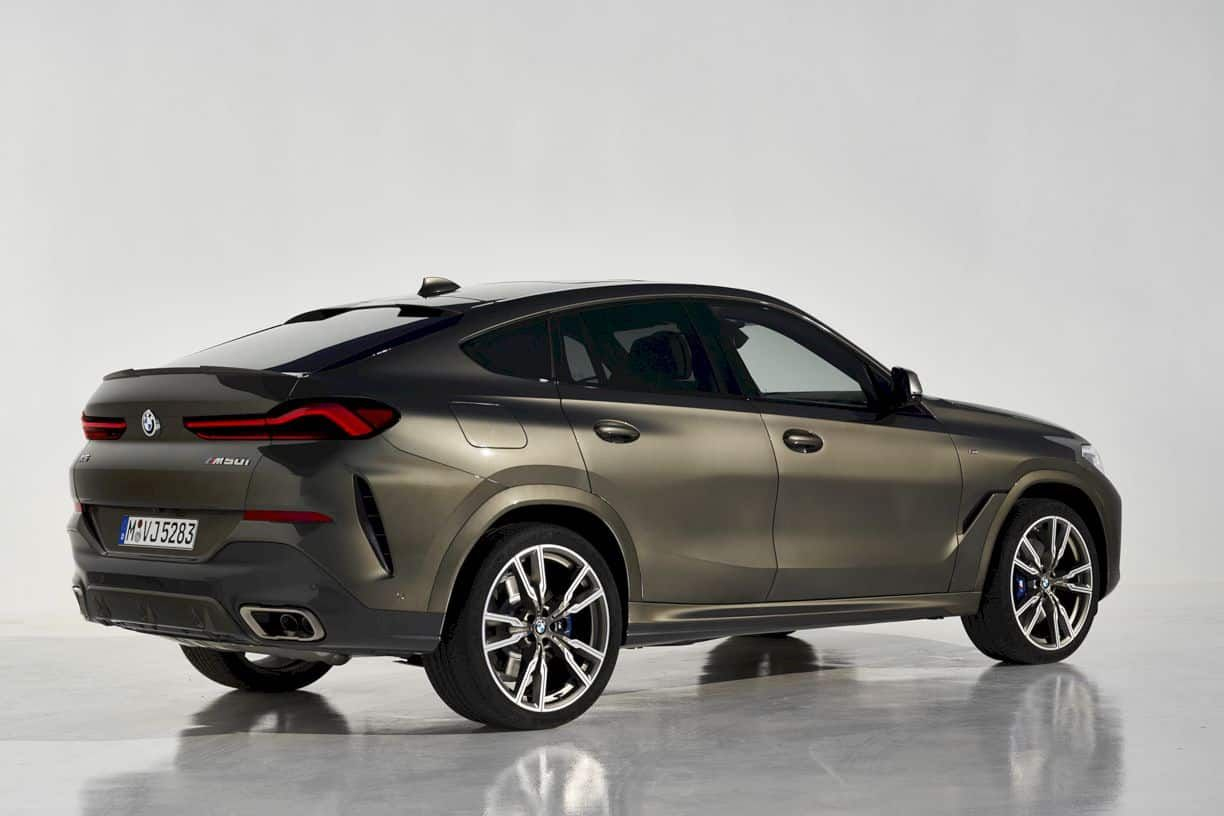 The New Bmw X6 A Leader With Broad Shoulders Bmw X6 New Bmw Latest Cars